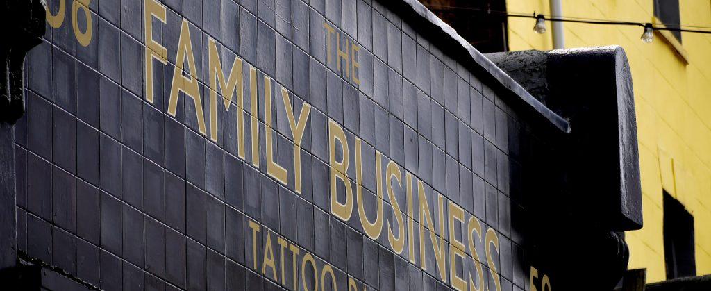 hacer negocio con familia